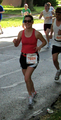 Becky running the Illinois Half Marathon
